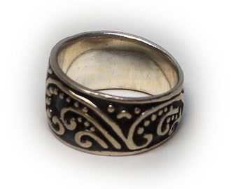 Sterling Silver Ladies Scroll Design Fashion Ring