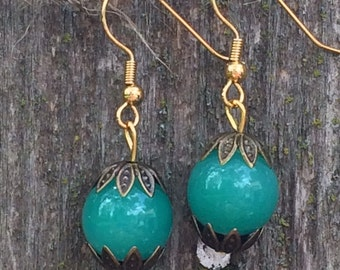 Gorgeous kelly green glass bubble gum earrings