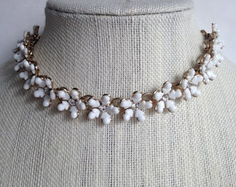 1950s White Daisy Necklace