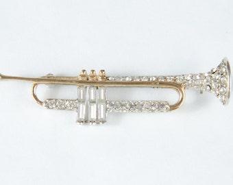 Vintage Music Pin Rhinestone Trumpet Horn - B4