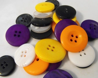 25 Halloween Large Buttons Assorted Round Crafting Sewing Buttons