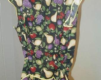Vintage Apron, Full Shoulder, Fruit Design, Pockets