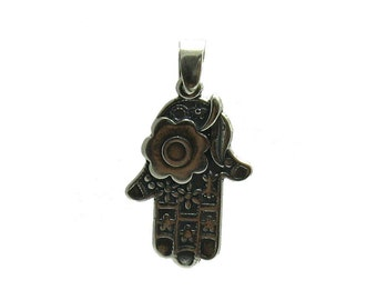 PE000999 Sterling silver pendant  solid 925 Hand of Fatima