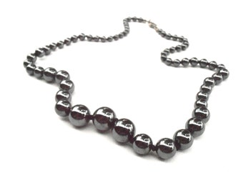 "Vintage Hematite Bead Single Strand Necklace 17"" Inch Metallic Gunmetal Silver Gray Grey Round Beaded Shiny Graduated Hand Knotted"