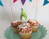 Mini Birthday Bird with Bunting : Green - MADE TO ORDER!