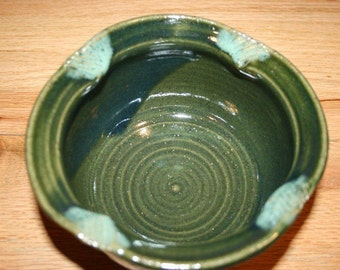Beautiful dark green pottery bowl with decorative edges, cereal bowl, ice cream bowl, soup bowl