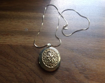 vintage necklace goldtone chain locket