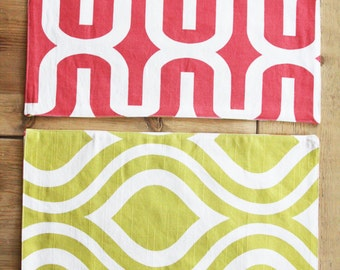 Reversible Placemats - Coral Racetrack and Mustard Cat Eyes