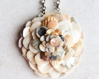 Seashell Jewelry Flower Necklace, Seashell Art Pendant Necklace