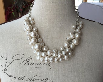 chunky Ivory pearl bridesmaid necklace on antique silver chain, wedding jewelry, bridesmaid jewelry, cluster pearl necklace
