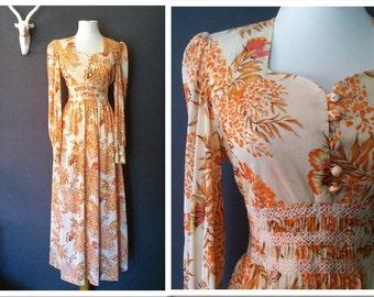 Summer Breeze Dress *1970's Butterfly & Leaf Print Maxi Dress Sweetheart Neckline