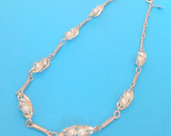 Vintage Sarah Coventry Gold Tone Caged Faux Pearl Choker Necklace