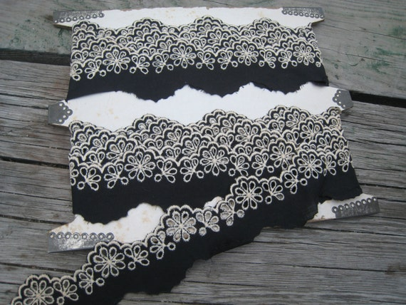 Gorgeous Black and White Scallop Floral Eyelet Trim Approximately 5 Yards