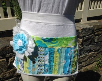 Half apron 3 pockets with flower, waitress, vendor, craft, nurse or hostess gift, gift, Easter, Mother's day