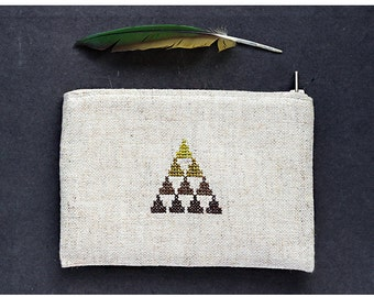 Mountain pouch - Linen pouch - Padded pouch - Hand embroidery - Geometric