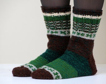 Warm hand knit wool socks, size US 9-9.5 for woman, EU size 40-41