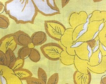 Vintage Sheet Bed Linen Fat Quarter for sewing and quilting