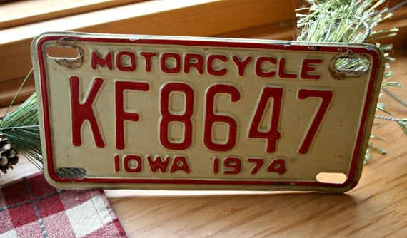 plaque d 39 immatriculation moto vintage en iowa 1974. Black Bedroom Furniture Sets. Home Design Ideas
