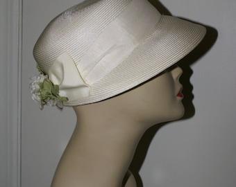 IVORY STRAW SUMMER Flowered Hat, Bonnet Style, Cloche