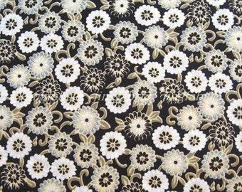 C2018C - 1 meter  Cotton Fabric - small daisy - black (145cm width)