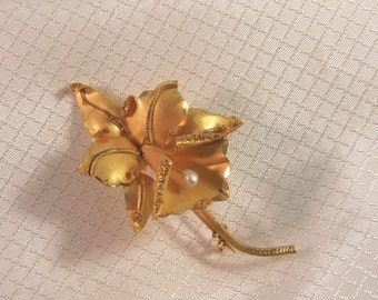 c1950's 18kt Gold Orchid Brooch with Pearl