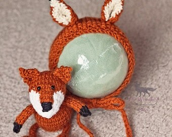 Knitted Fox Wolf Bonnet and Stuffy Set Newborn Prop