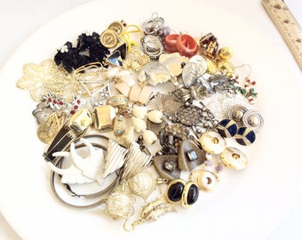 Junk lot jewelry all earrings all pairs assortment pierced and clips lot 33J