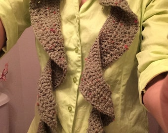 Spring Greens Scallop Scarf