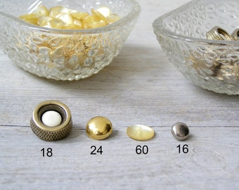 Lot of Vintage buttons, Mid Century Metallic Gold Silver Pearl shade White Plastic Button Lot, Seamstress Sewing Crafting Jewelry Supply