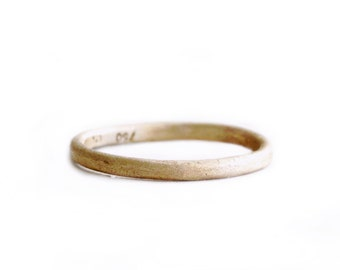 18k gold wedding band. An earthy ring. Goat.