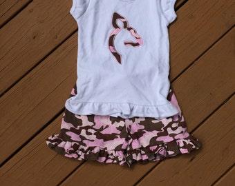 Girl's Mossy Oak Appliquéd Shirt with Shorts