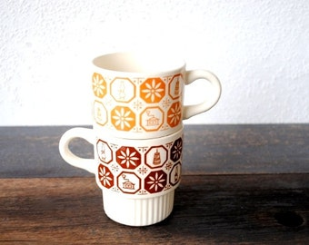 Retro Coffee Mug Cups, Stackable Americana Flowers Kitschy Kitchen Print, Vintage Set of Two (2)