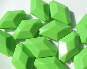 10CT. Bright Green Rhombus Shaped Acrylic Beads, 28mm*24mm* 7, F25