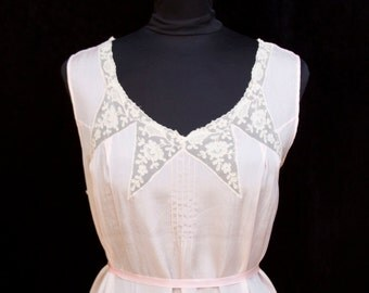 1920s Nightgown // Pink Lingerie with Triangle Lace Insets Large Size