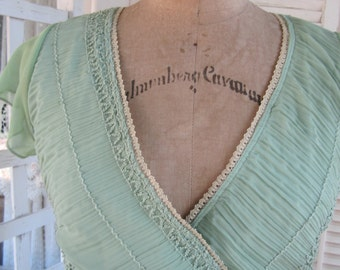 Shirred Top Green Peasant Top Celery Green Smocked and Sequin Peasant Top 80s Folk Gypsy Light Green