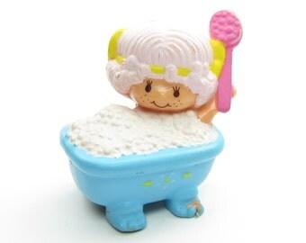 Angel Cake Taking a Bubble Bath Mini Figure Vintage Strawberry Shortcake Miniature Figurine