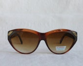 Vintage Retro Sunglasses 1980s does 1950s Deadstock NOS Brown Black and Gold Plastic Oversized