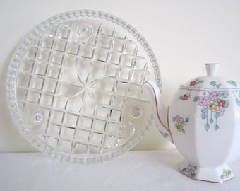 VINTAGE DEPRESSION GLASS cake plate, stand, serving plate - diamond cut, footed