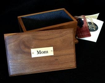 Walnut keepsake lift lid box