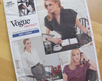 Uncut Vogue Sewing Pattern 2069 - Anne Klein II - Misses Blouse -  Size 12-16