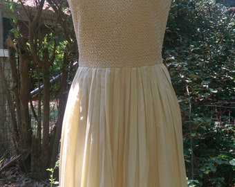 50s PALE YELLOW CARLYE Crochet Dress with Pleated Bottom