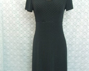 BLACK polkadot dress Size 8 great fit stretch polyester short sleeves, black and white polkadots, A Line Stretch Dress