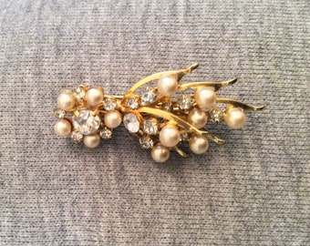 CHRISTMAS Holiday Sale, Pearl Rhinestone Flower Brooch Vintage Jewelry, Gift for Her
