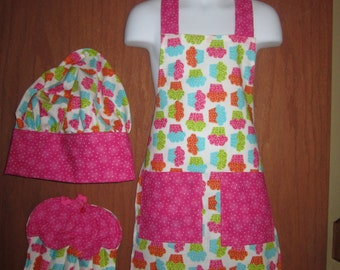 Child's Cupcake Apron Set Apron with pockets, chef hat and Potholders