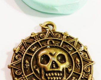 LARGE, SKULL Medallion, SILICONE Mold - Resin, polymer clay, Candle mold, metal, mold, soap mold, flexible 3D Hot Glue Mold mould
