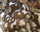 Real Vintage Antique Skeleton Keys Lots of 5 keys Low Price post office box stamped keys