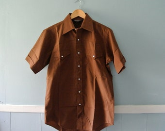 Men's 1970s Western Shirt / Chocolate Brown Short Sleeve Cowboy Shirt / Size 8 Small to Medium