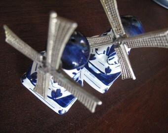 Delft Salt and Pepper Windmills, Holland, Dutch, Blue and White, Metal, Porcelain, Turning Windmills, Cottage,