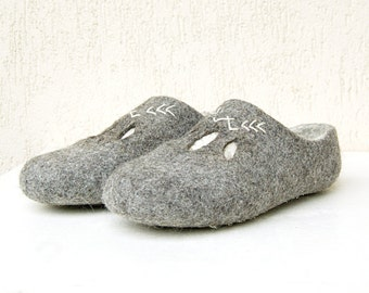Felted wool clogs with embroidery and cutout leaves - felt slippers gray white - all sizes made to order