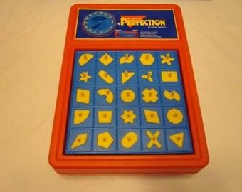 Vintage Perfection pop up game Milton Bradley 1995 Retro  family action